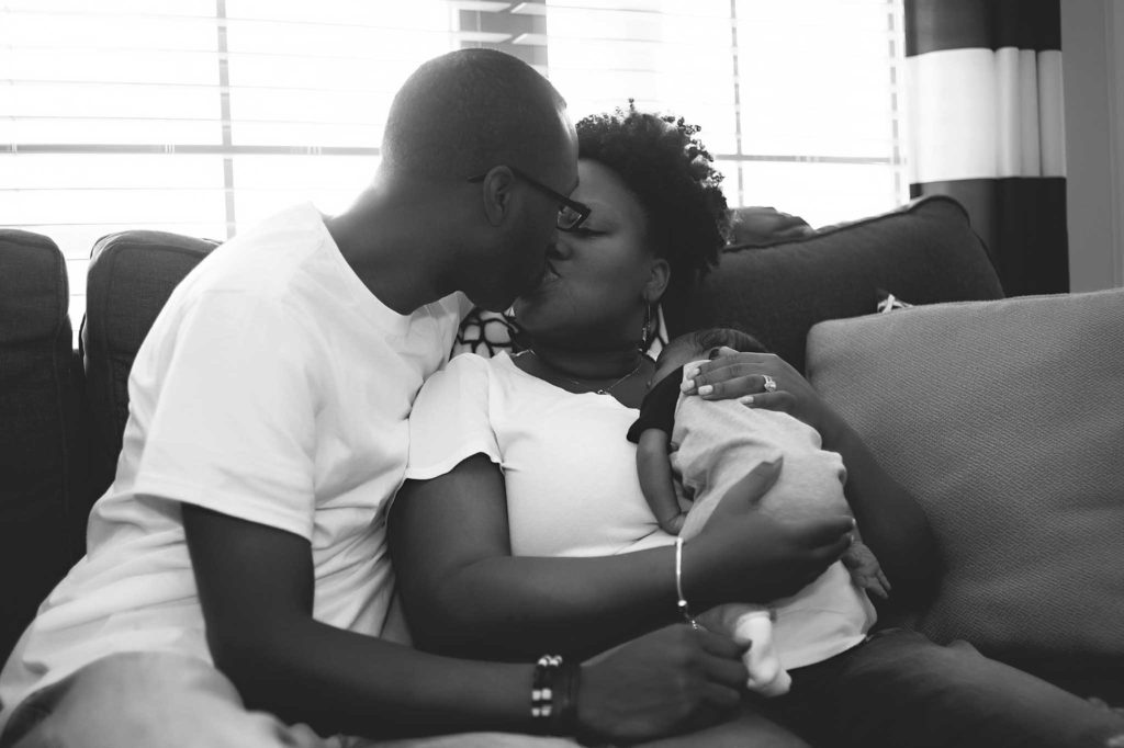 Memphis Tennessee Olive Branch Mississippi photographer lifestyle newborn in home session